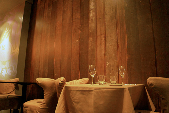 Heres a Photo of the Reclaimed Wood Wallpaper at Fable    Grub 560x373