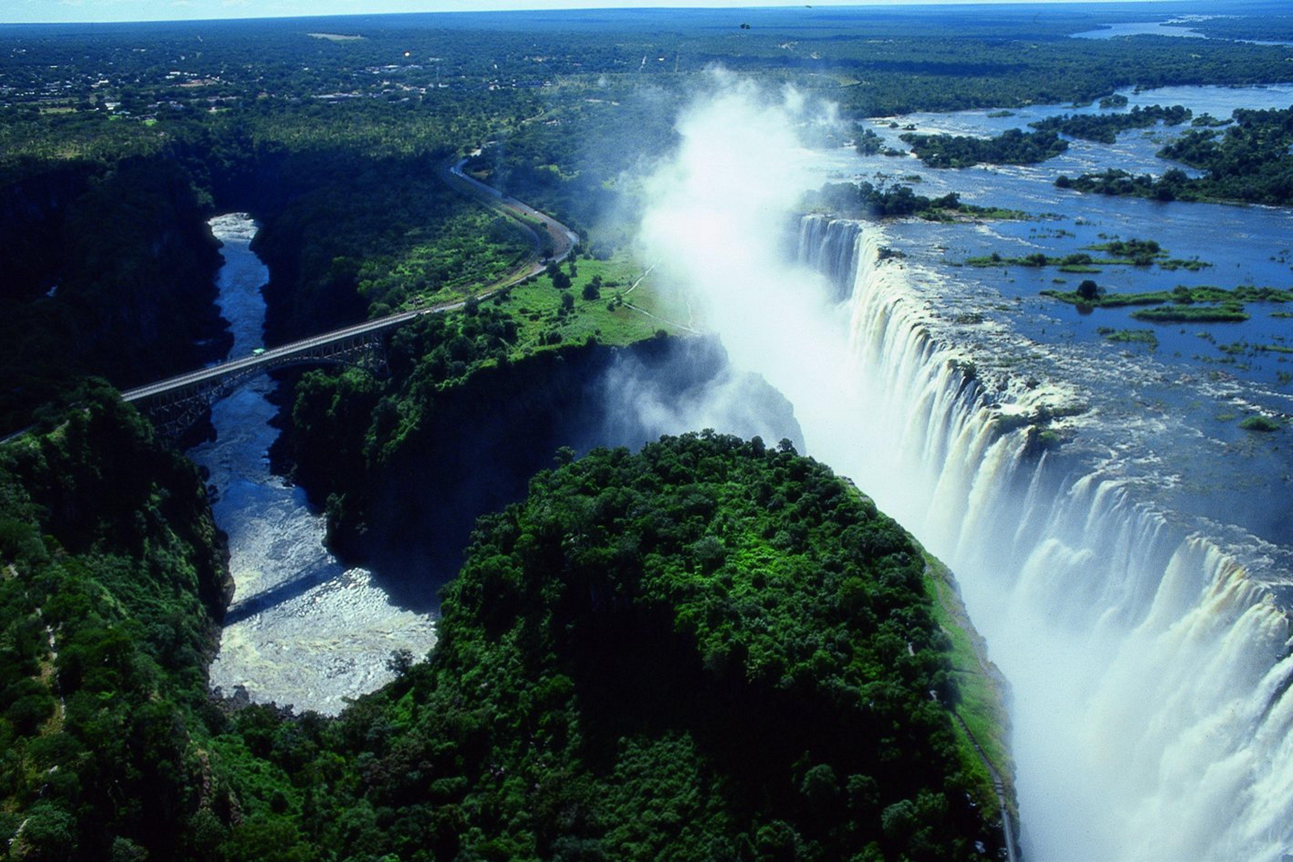 Victoria Falls Zambia and Zimbabwe Wallpaper 4251 x 2835 4251x2835