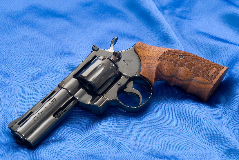 colt python 4 revolver guns wallpaper colt python background cloth 3000x2008