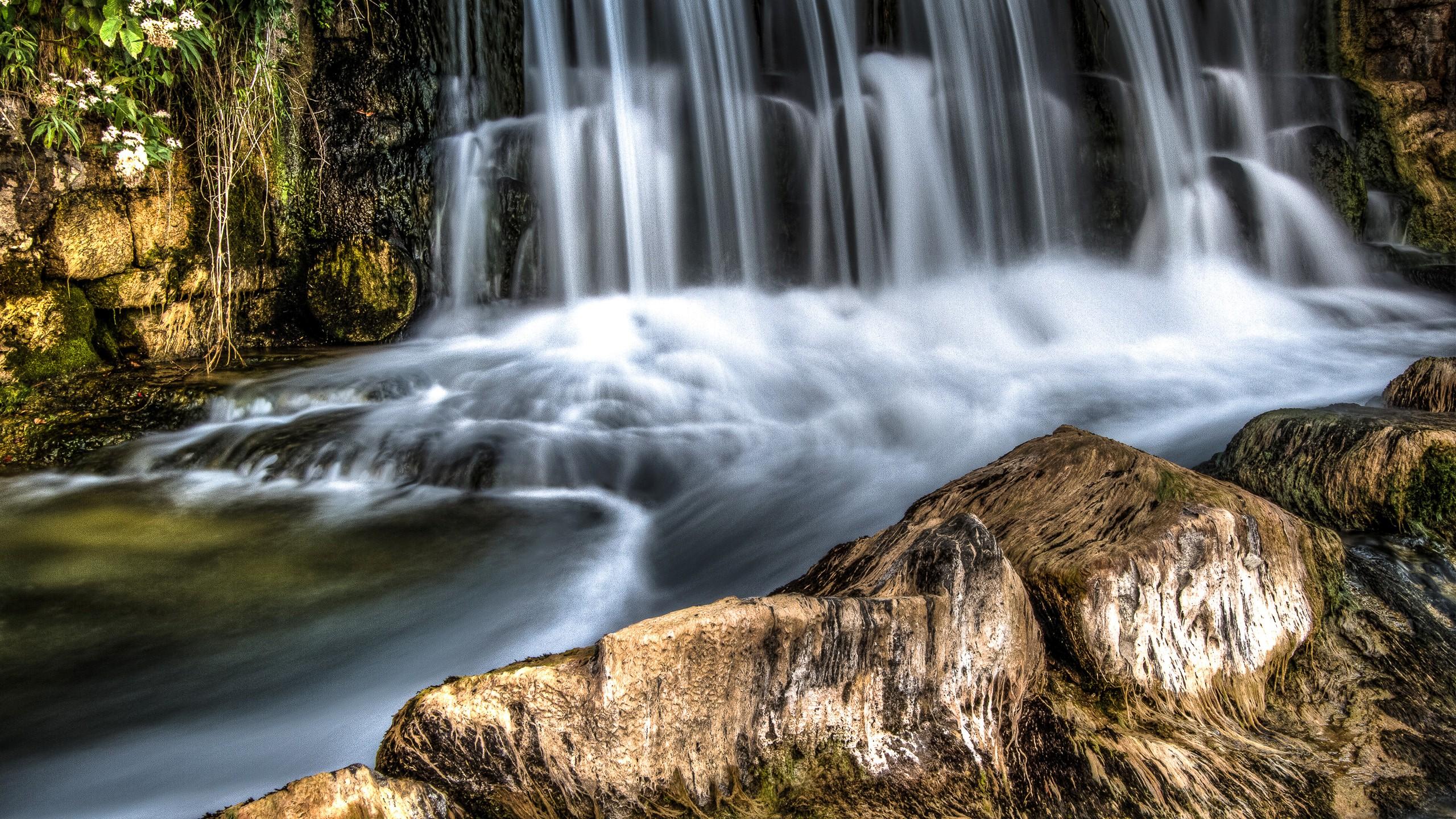 Rhine Falls in Switzerland HD Wallpapers 2560x1440