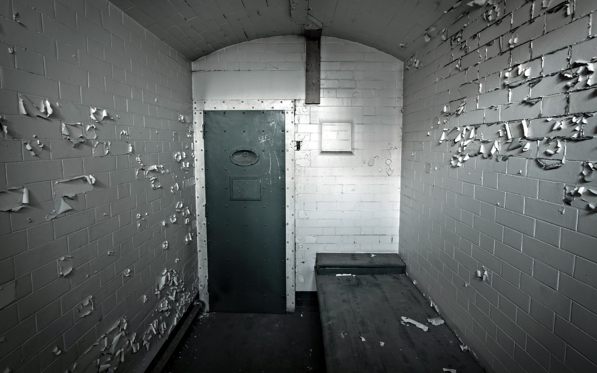 Cellar door prison wall wide angle wallpaper 1920x1200