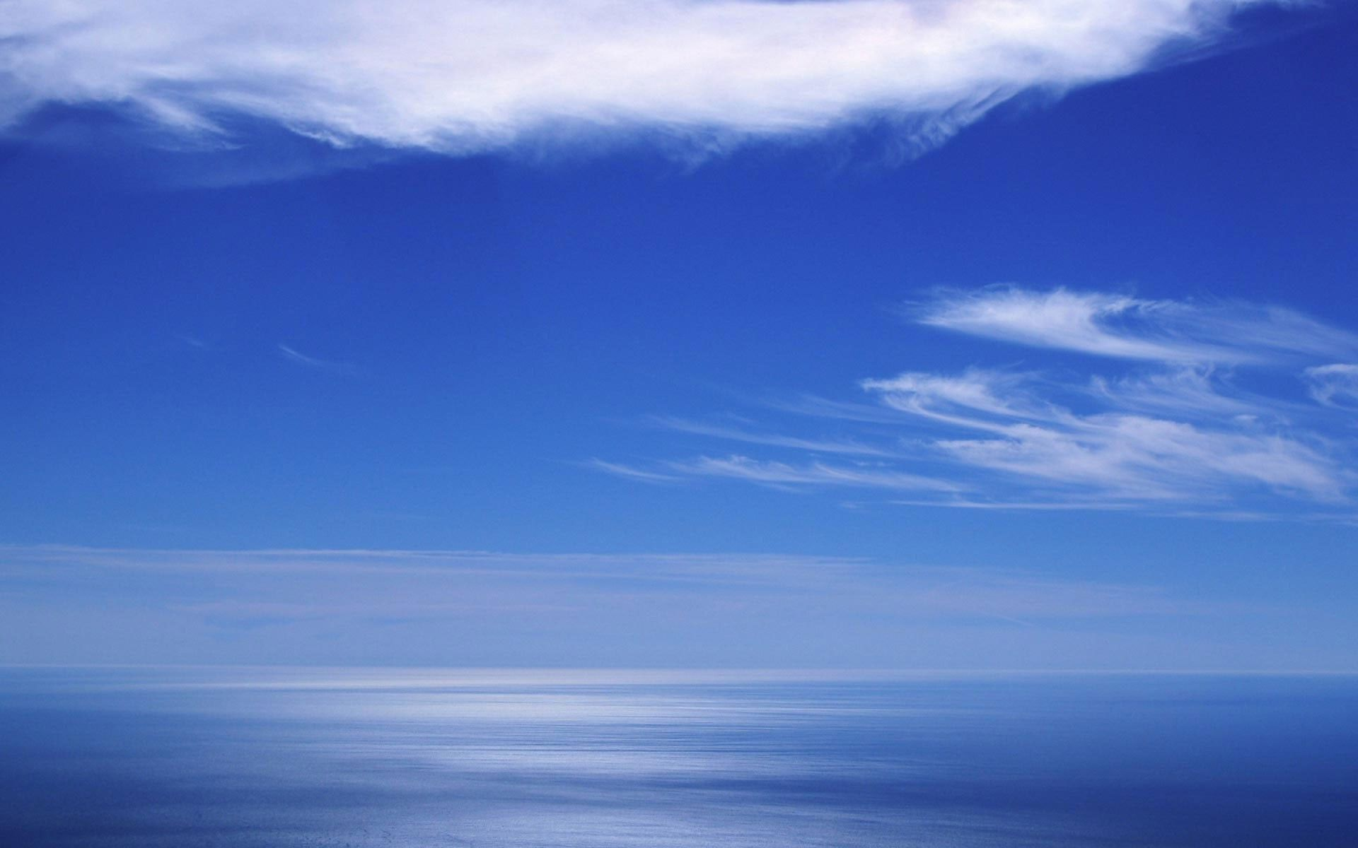 Blue sky and ocean Widescreen Wallpaper   4661 1920x1200