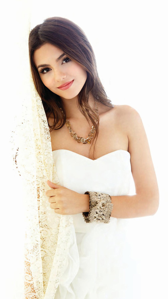 Victoria Justice Dress Up   The iPhone Wallpapers 640x1136