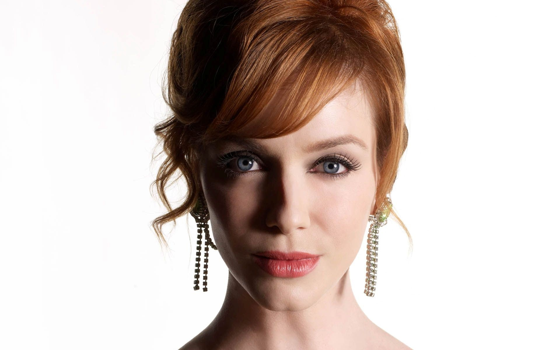 Christina Hendricks With Long Ear Jewellery Wallpaper HD Wallpapers 1920x1200