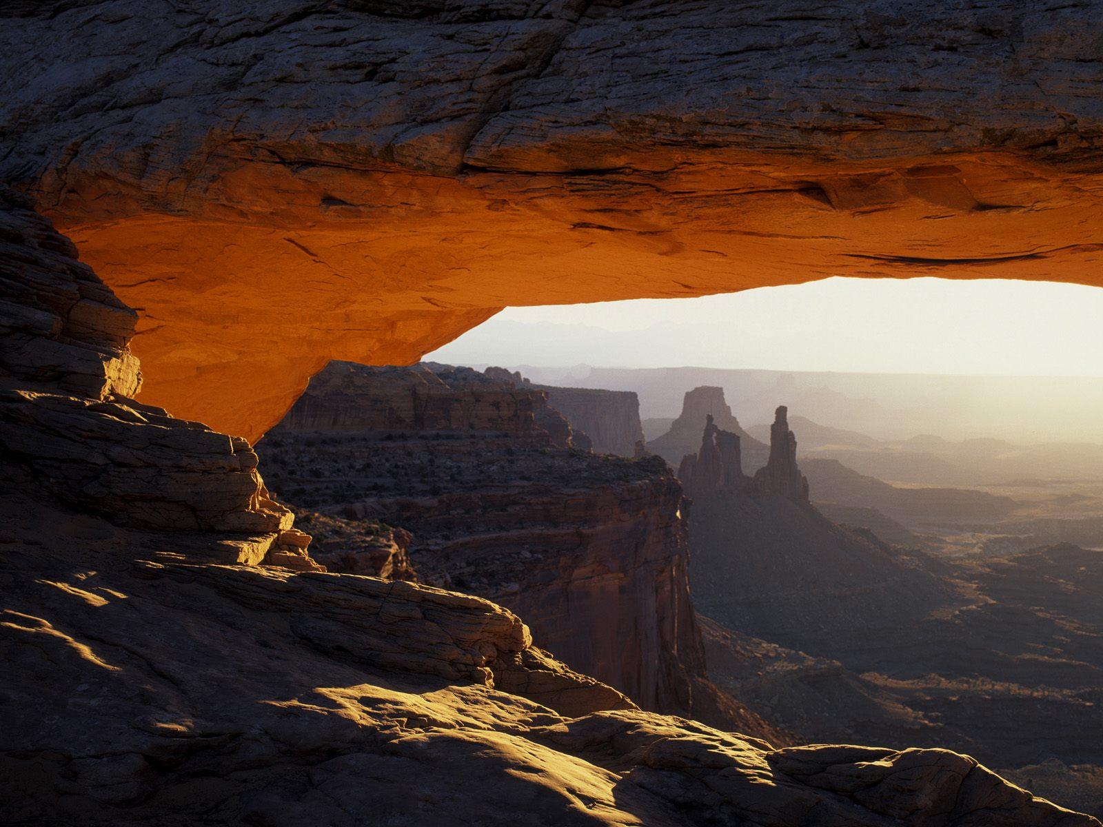 Kids n fun Wallpaper first light on mesa arch canyonlands national 1600x1200