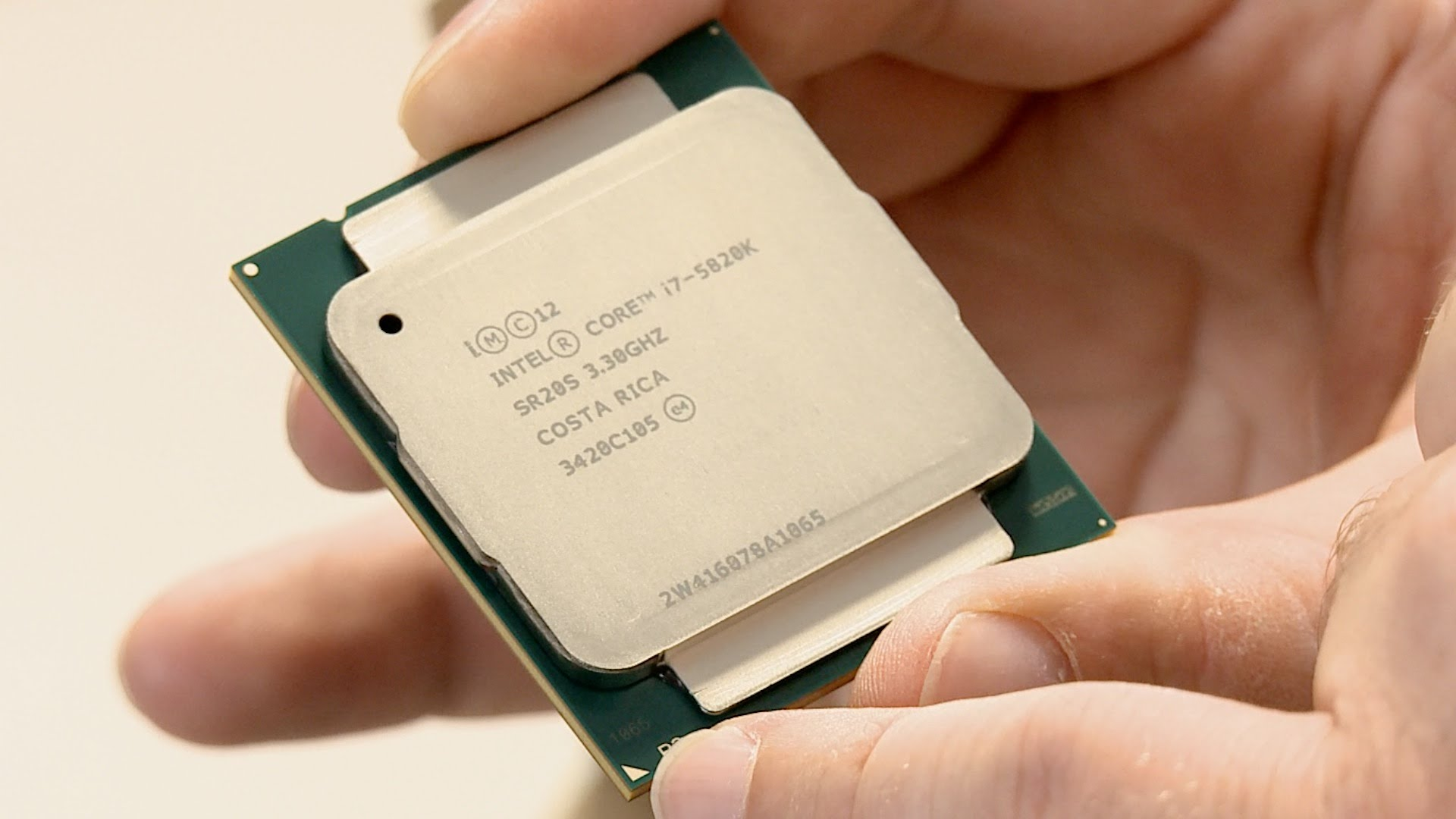 Intel Core i7 6700k is faster than 6 core i7 5820K in gaming 1920x1080