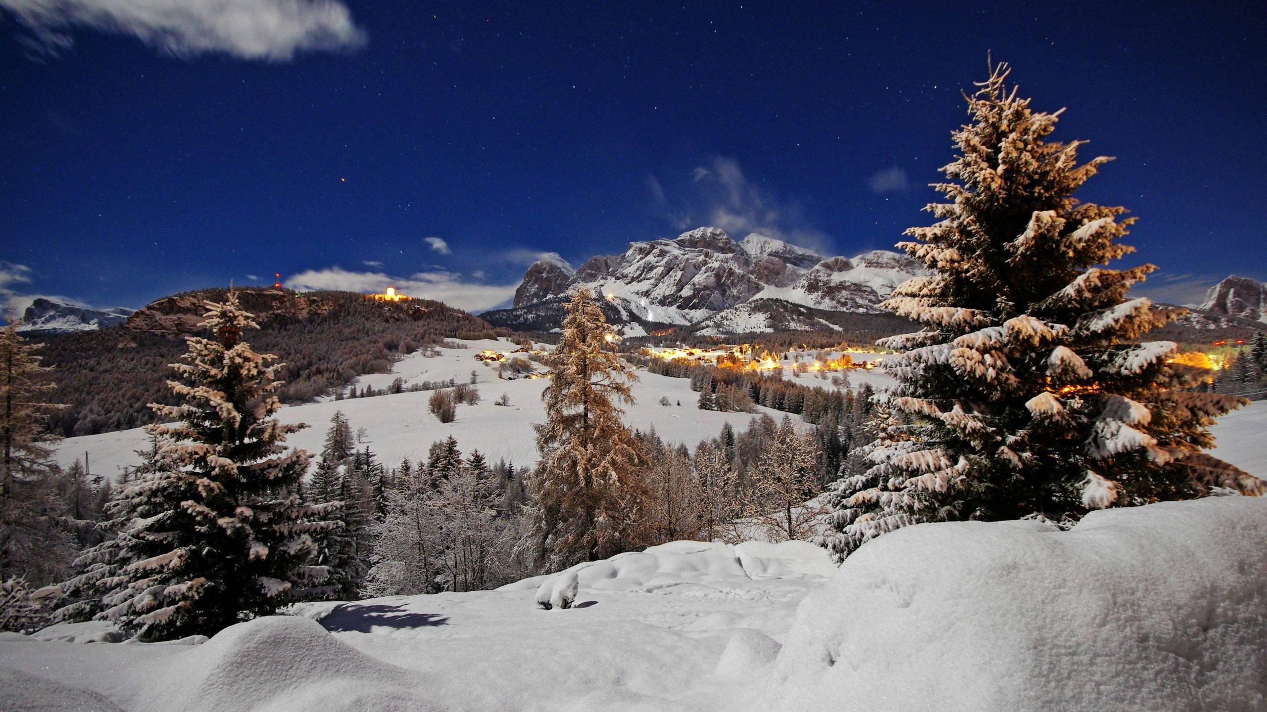 ] Cortina dAmpezzo Full Moon and 2 meters of Snow WQHD Wallpaper 2560x1440