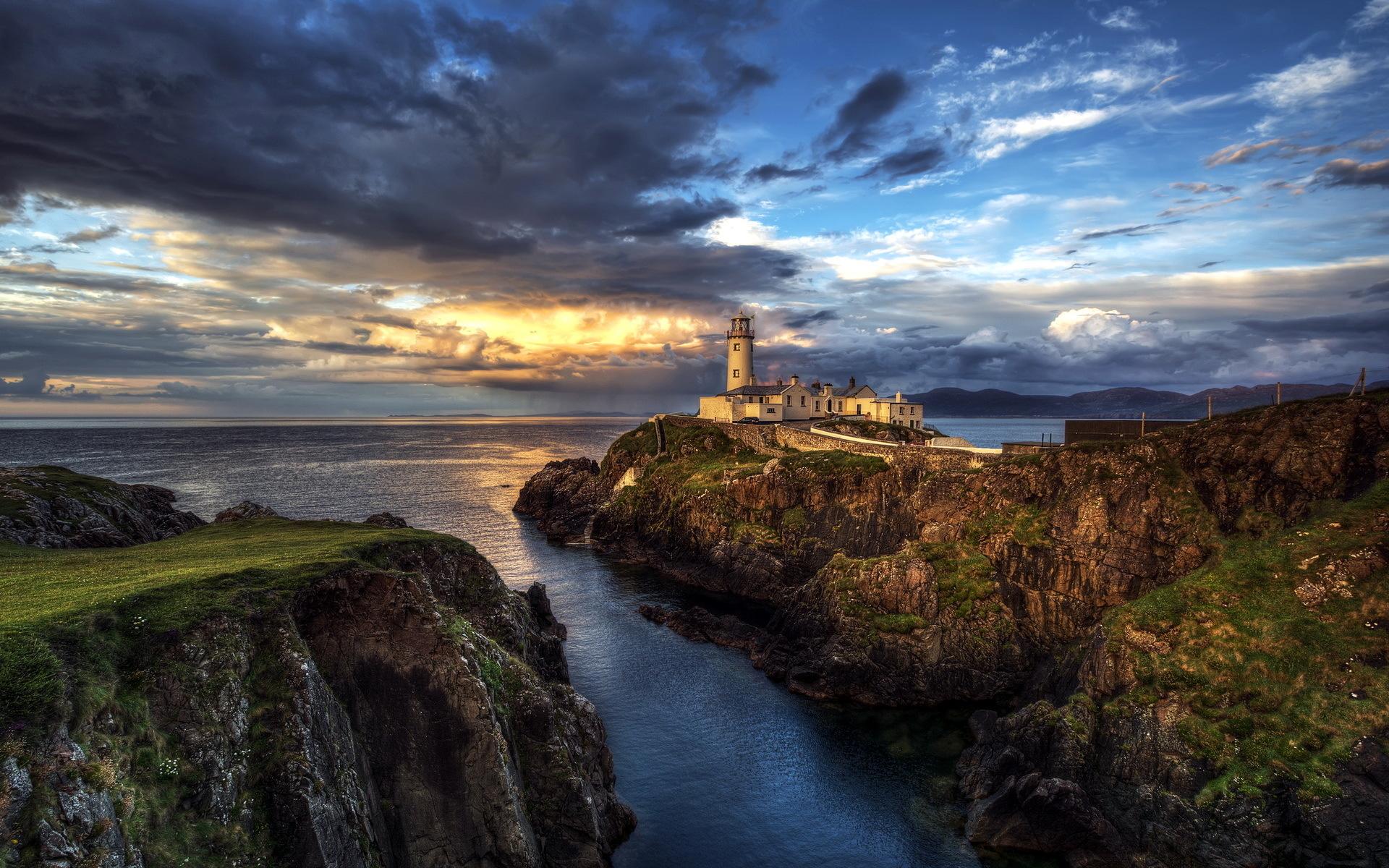 ireland seascape lighthouse ocean wallpaper background 1920x1200