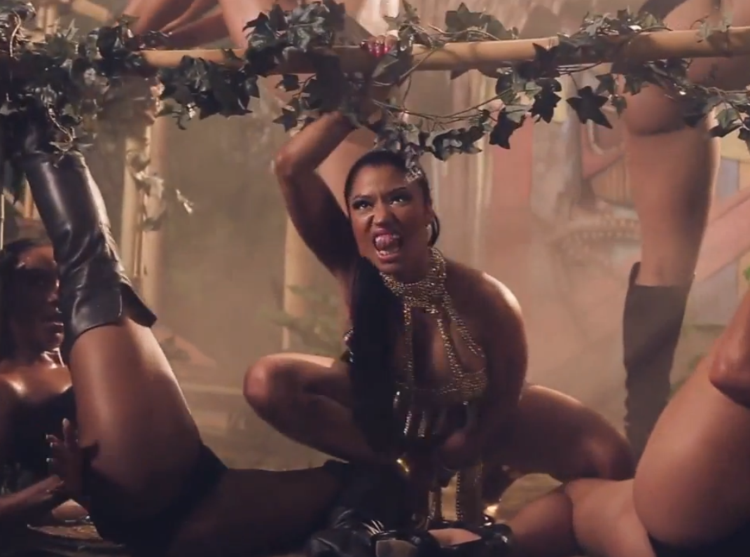 sneak peak Nicki Minaj Anaconda video   The Ill Community 1071x795
