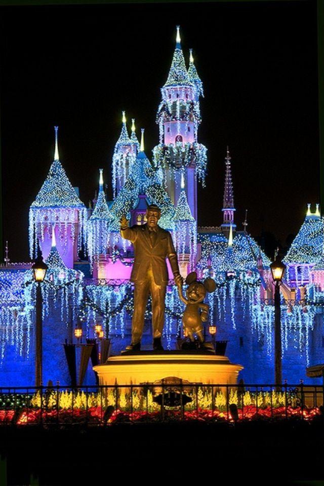 Christmas iPhone Wallpaper Castle in Anaheim CA tjn 640x960
