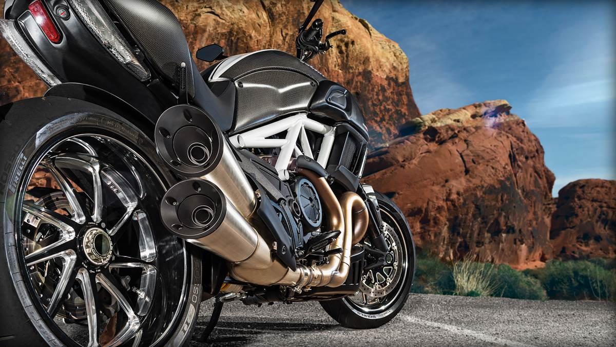 Ducati Diavel Heavy Bike Wallpapers 2015 Automobiles 1200x675
