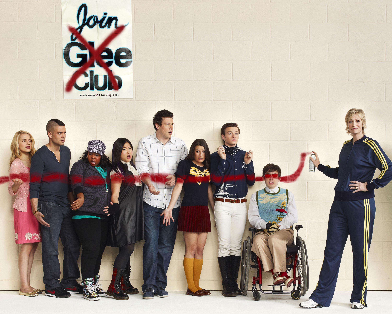 50+] Glee Season 3 Wallpaper on WallpaperSafari