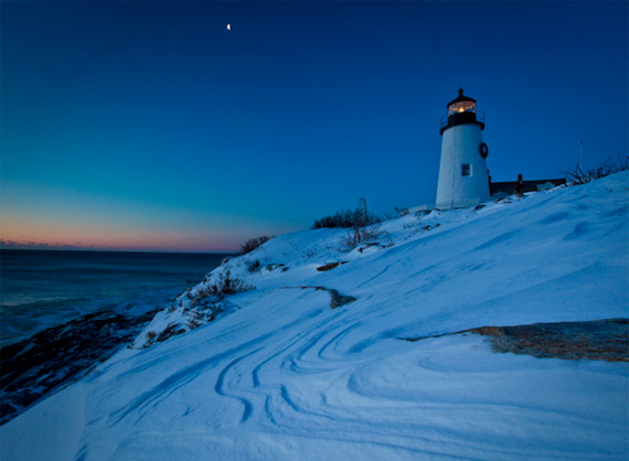 Slide Show New England Lighthouses in Winter 570x418