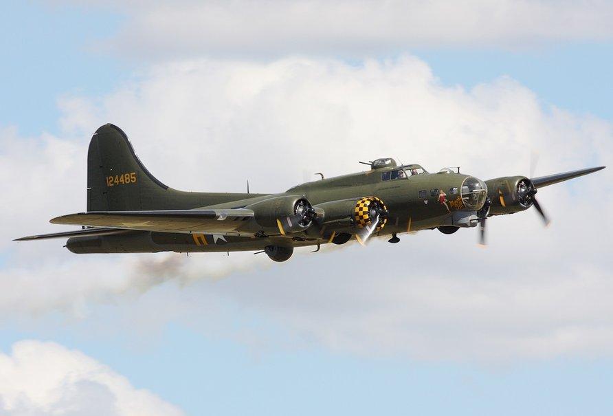 Boeing B 17 Flying Fortress wallpaper   ForWallpapercom 892x605
