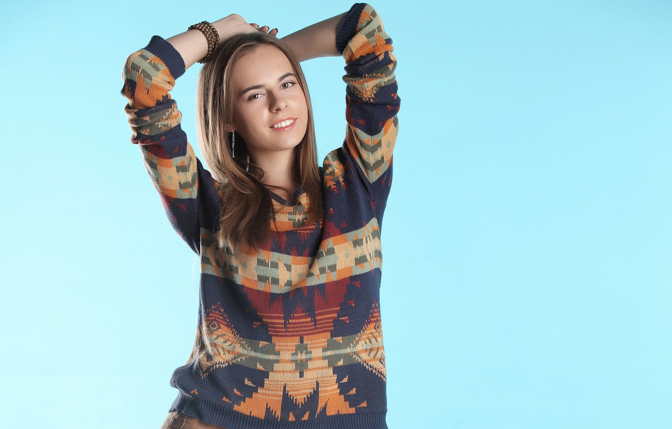 Wallpaper look girl model hair sweater Gracie images for 1332x850