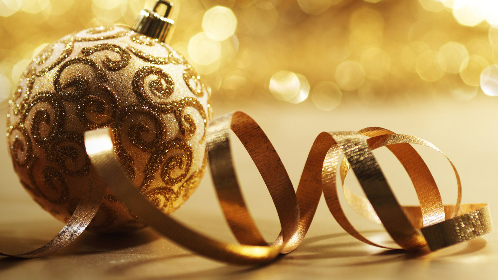 Golden christmas ball wallpaper Full HD 1080p 2012 1920x1080