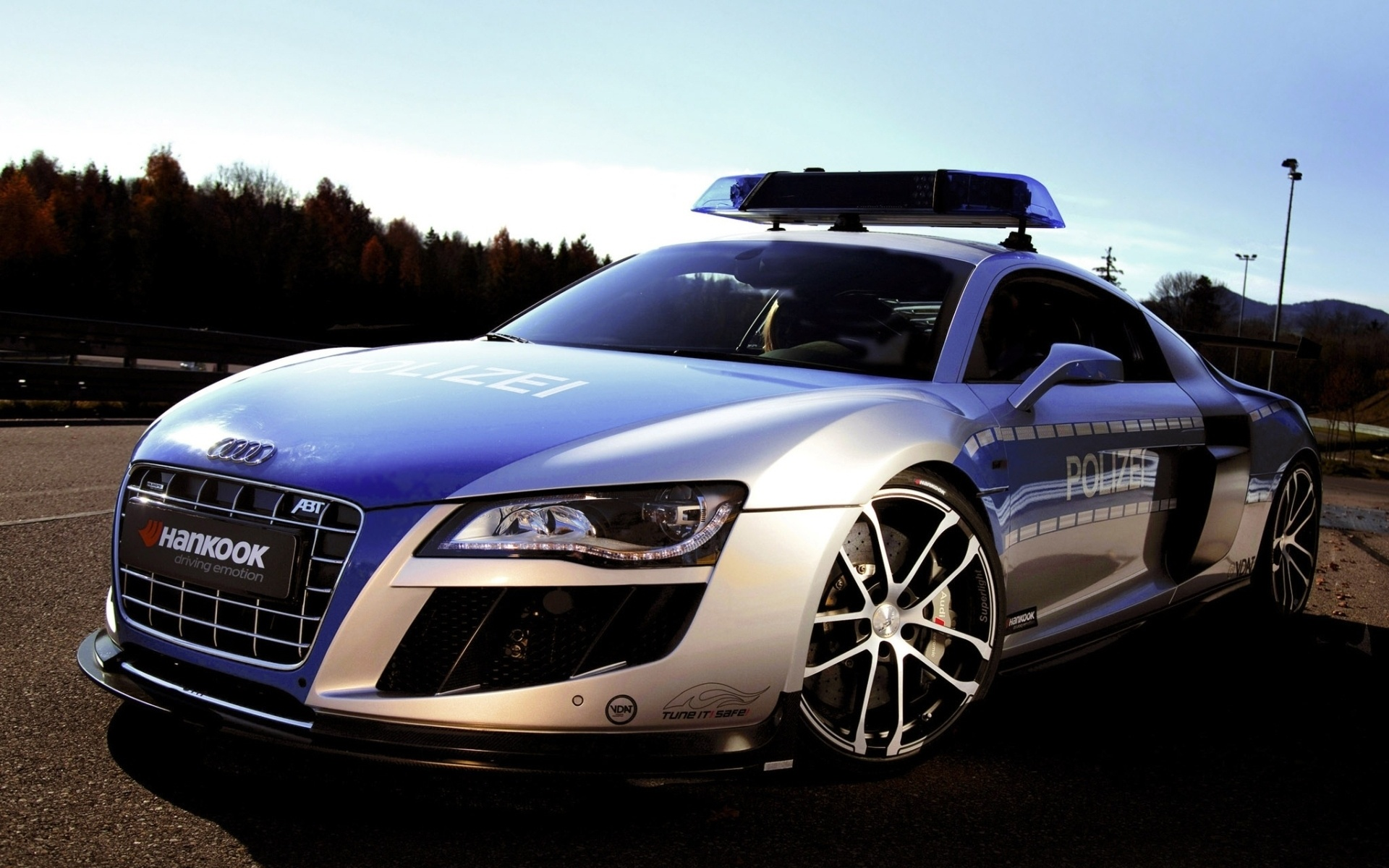 Cool Police Cars Wallpaper