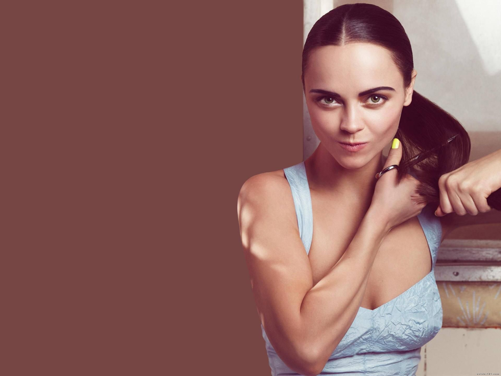 Christina Ricci 2013 HD Wallpaper Background Images 1920x1440