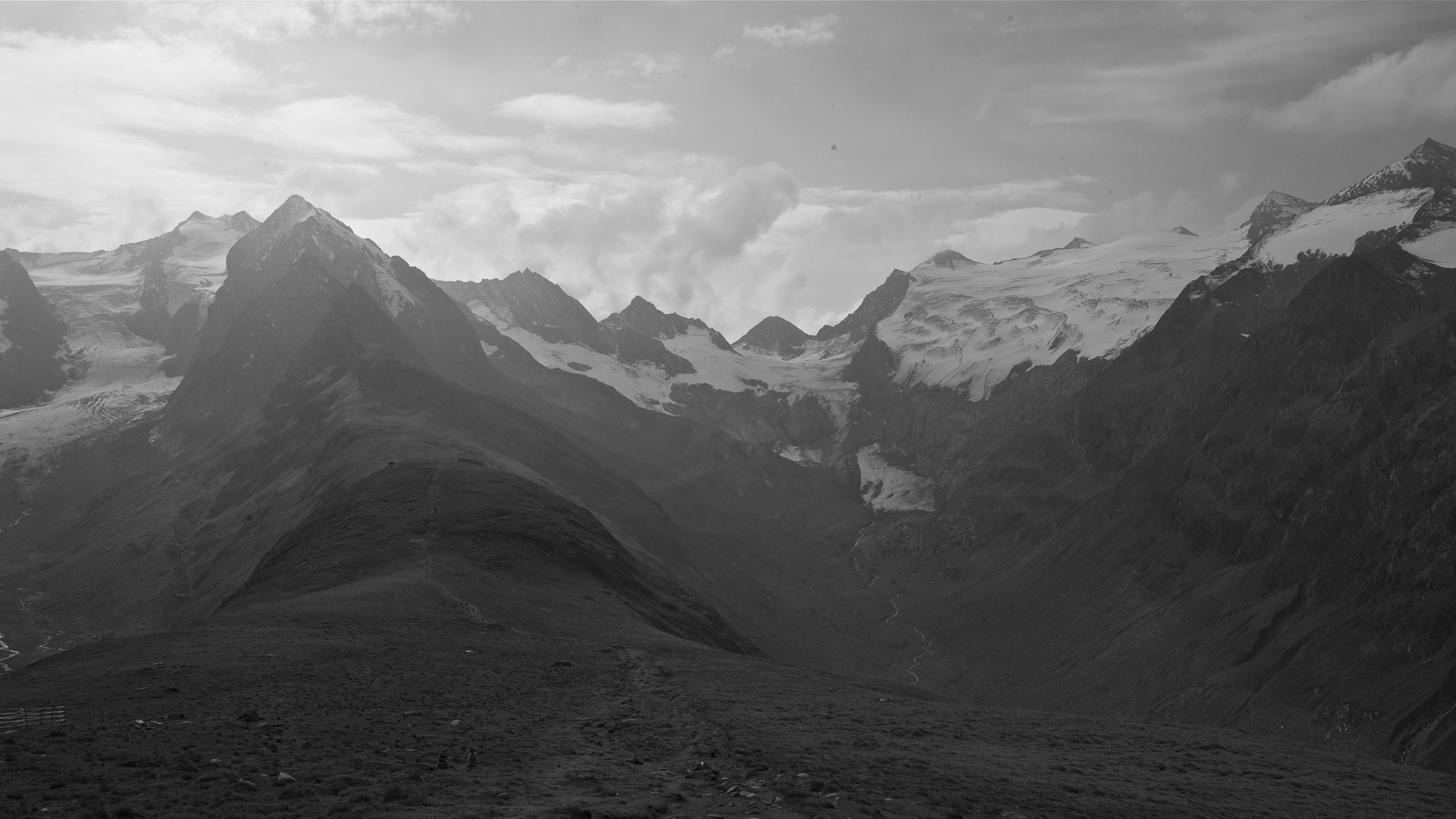 Wallpaper 3840x2160 mountains distance sky black and white 4K 3840x2160