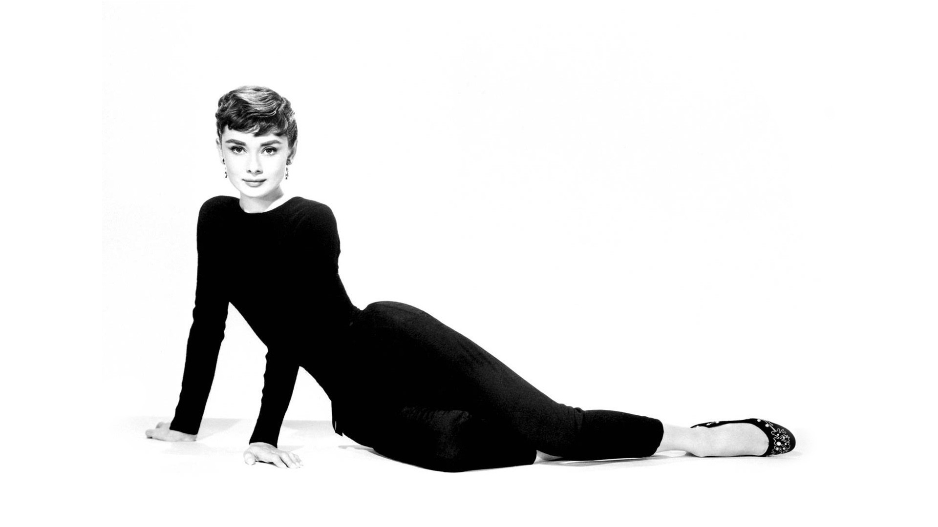 Audrey Hepburn Background   Wallpaper High Definition High Quality 1920x1080
