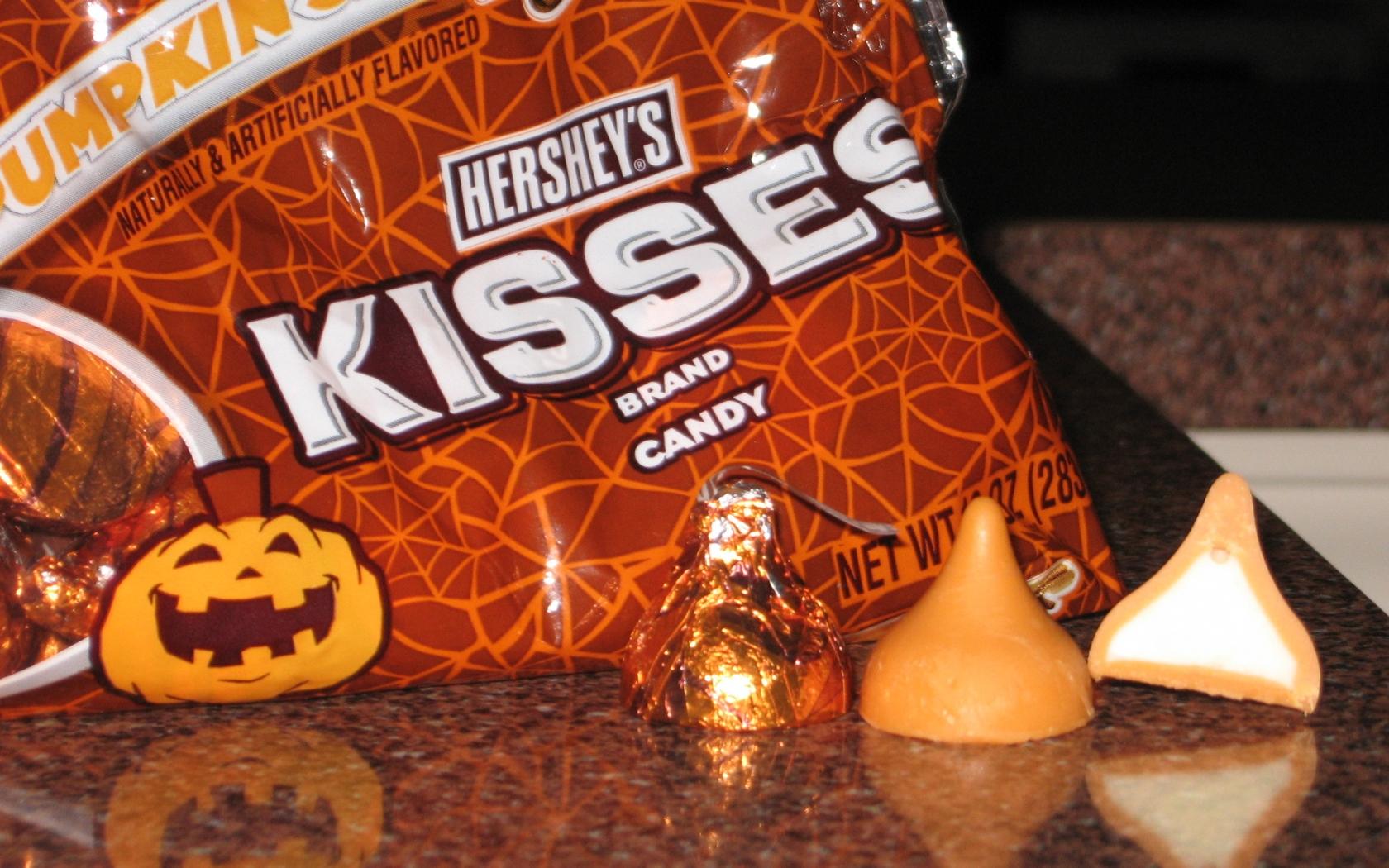download Hershey Kisses Wallpaper Spice hershey kisses 1680x1050