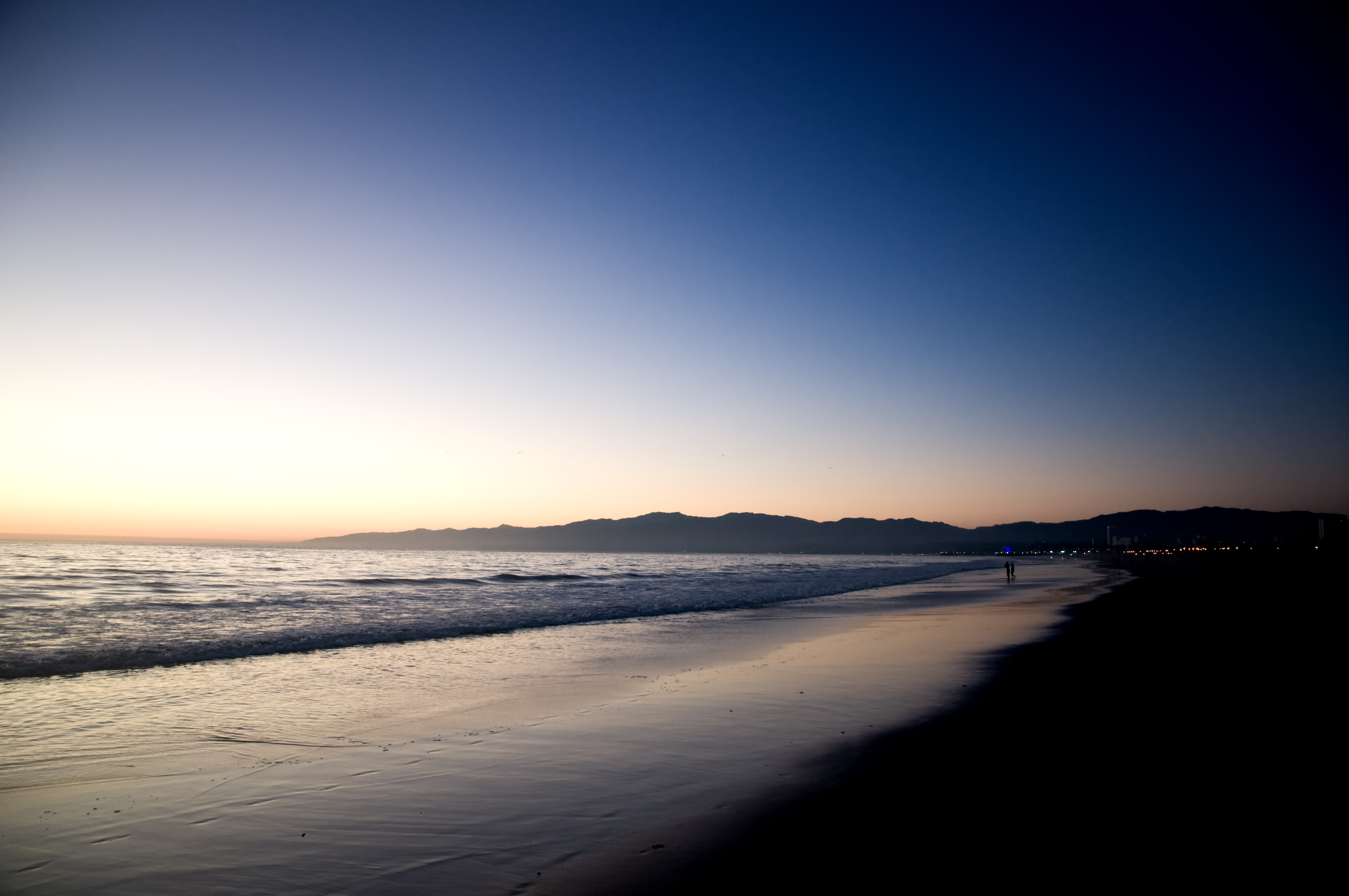 Venice Beach   Night Shift desktop background beach sea venice 4288x2848