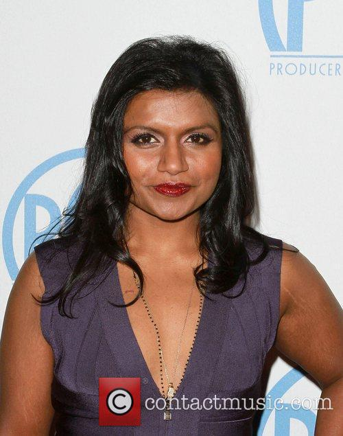 Models Hollywood Picture Mindy Kaling   Wallpaper Image 500x635
