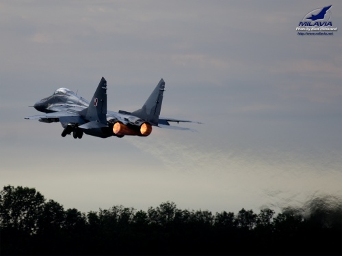 air force mig 29 fulcrum a take off at the 2011 air force days 500x375