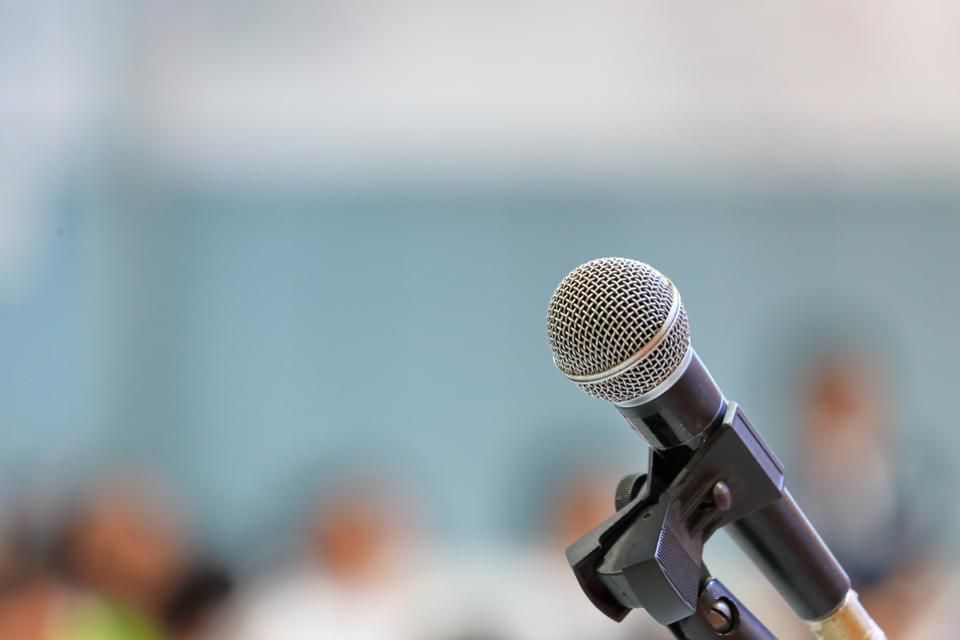 Conquer Your Fear Of Public Speaking With These 5 Tips 960x640