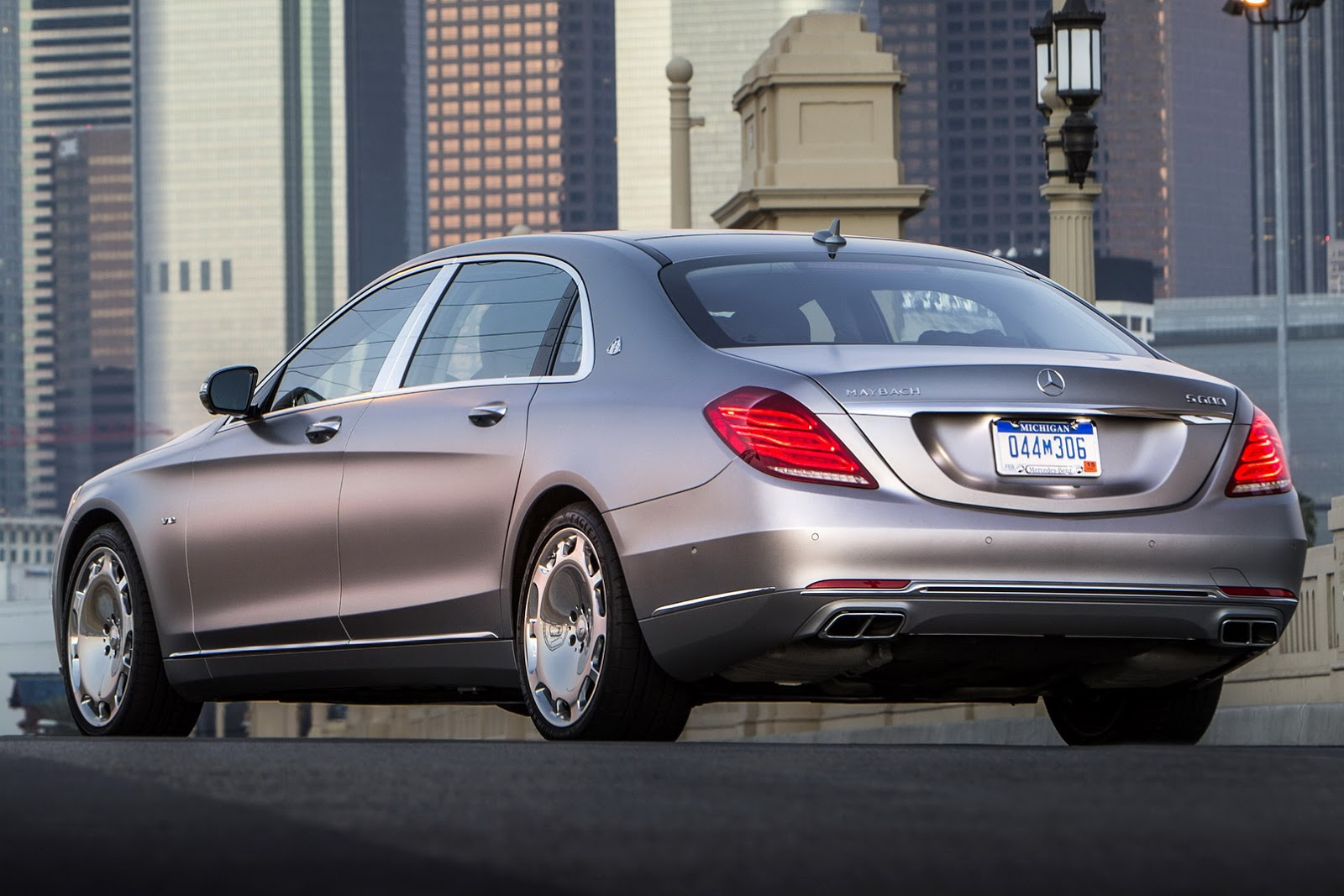 Mercedes Maybach S600 HD wallpapers download 1600x1067