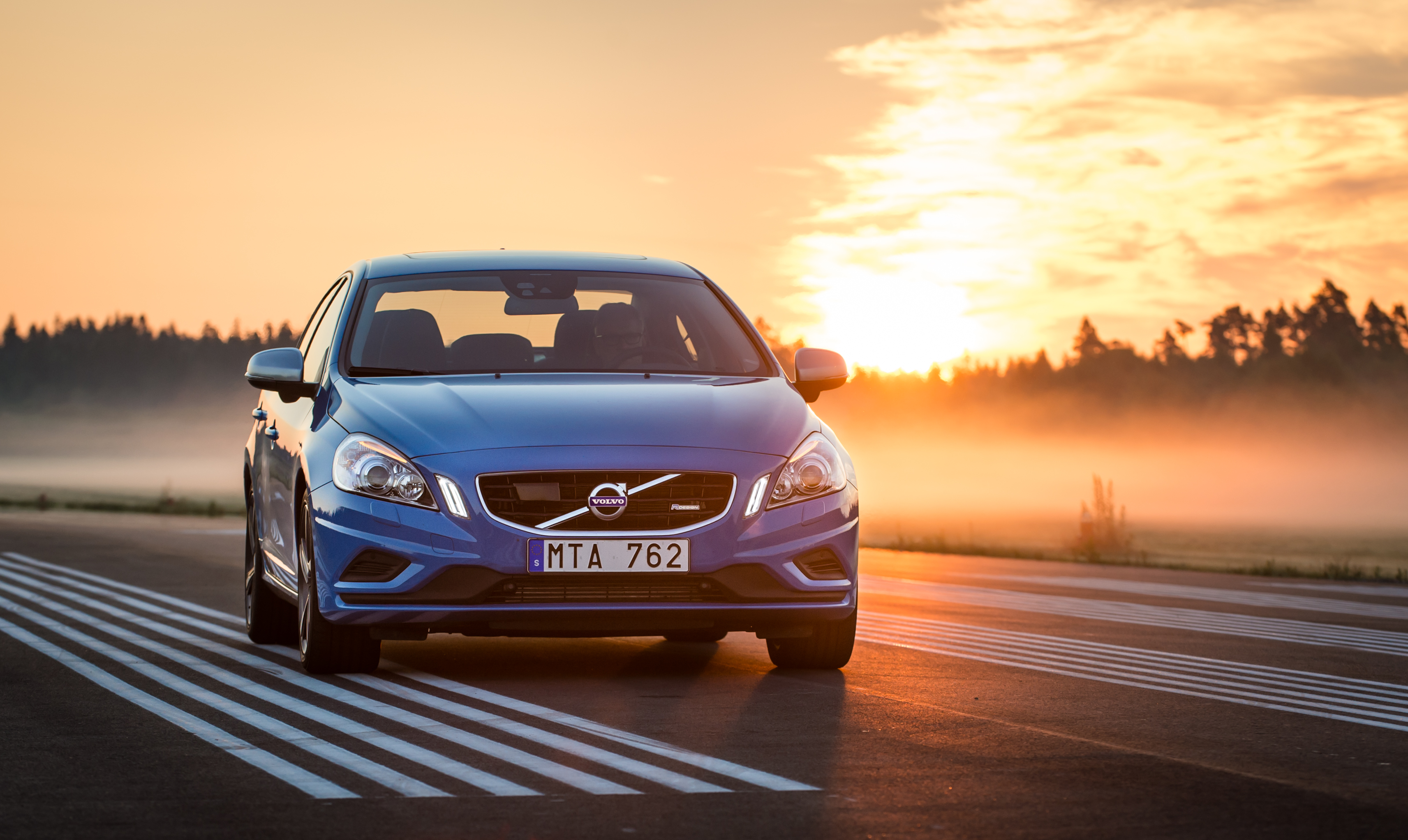 Download 2013 Volvo S60 pictures in high definition or widescreen 3425x2045