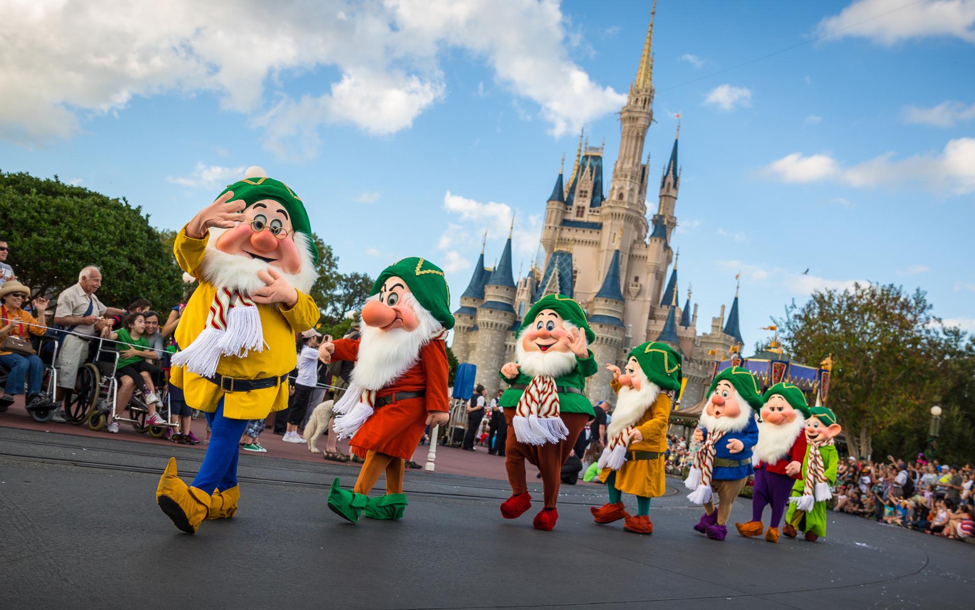 Parade at Magic Kingdom Walt Disney World the Seven Dwarfs 1919x1200