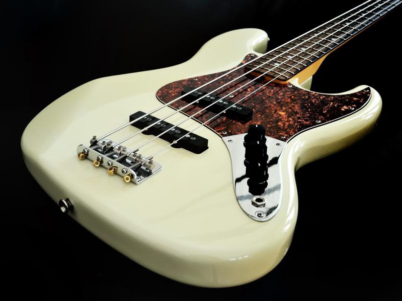 Fender Jazz Bass Wallpaper Olympic white jazz sound 799x599