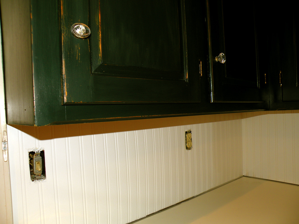 Beadboard Wallpaper Ceiling 1024x768