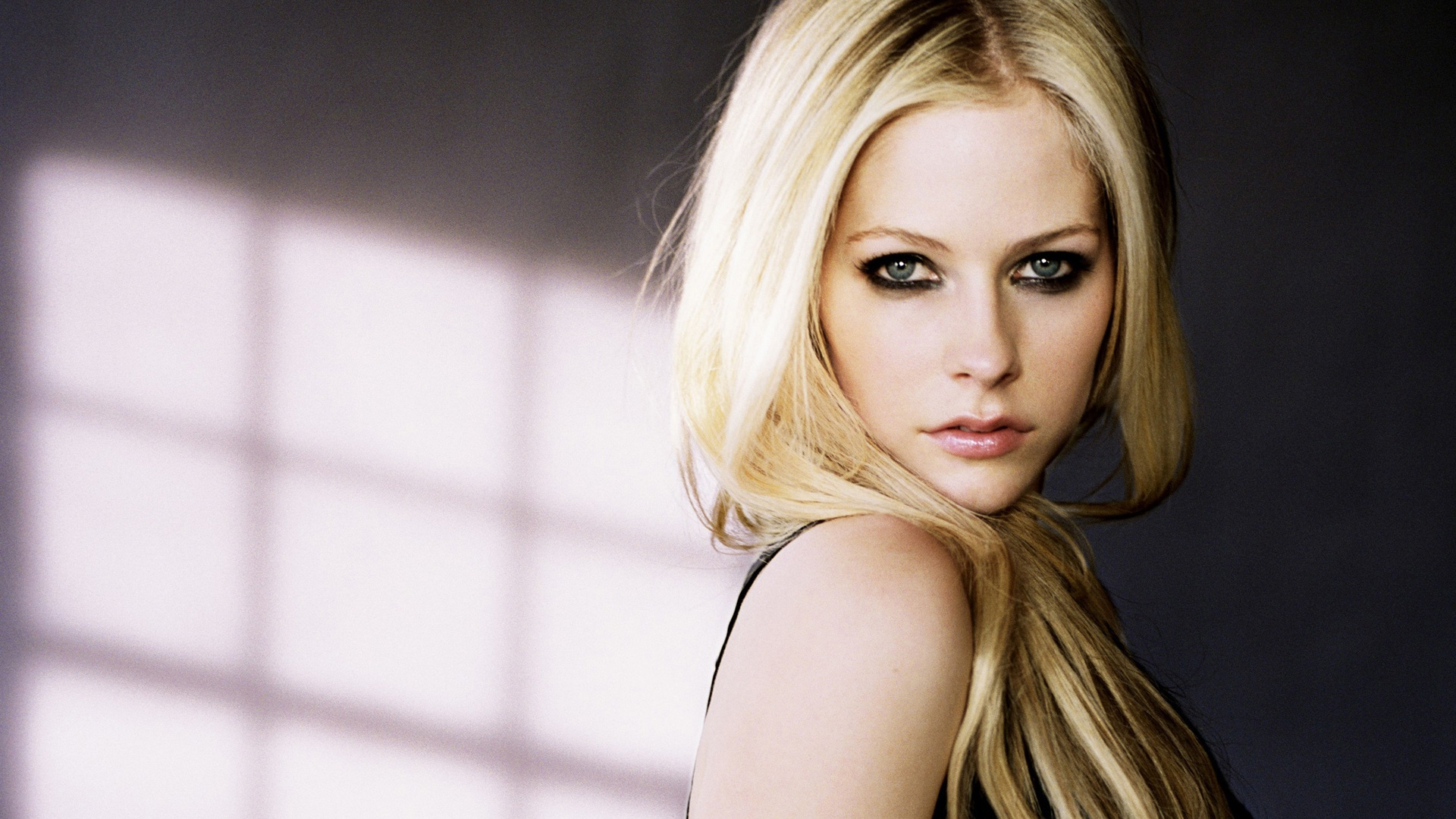 Avril Lavigne Portrait Full HD Desktop Wallpapers 1080p 1920x1080