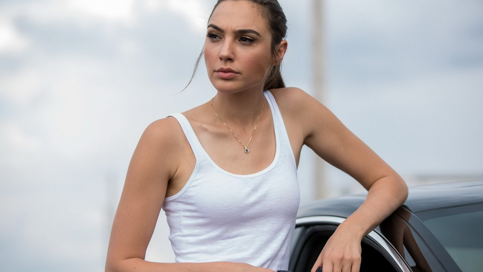 Gal Gadot Wallpapers 38 1600x900