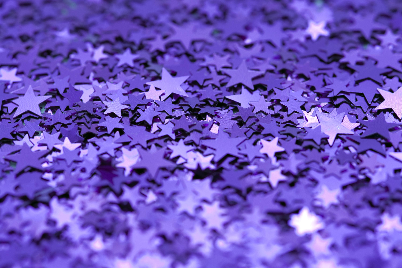 Download Original image of purple glitter backdrop [1116kB] 3000x1996