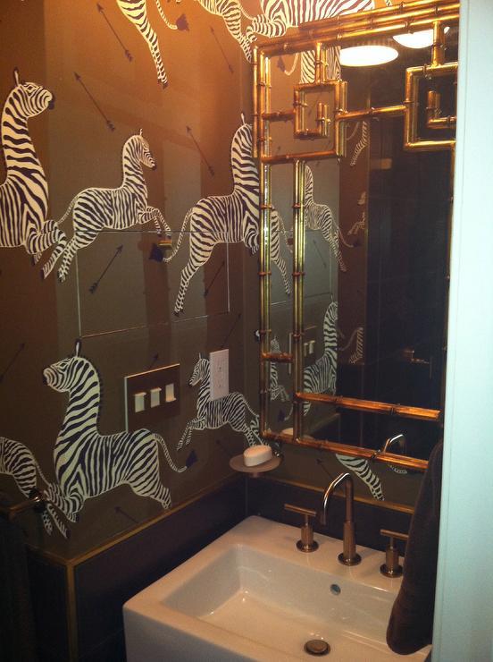 arrow keys to view more bathrooms swipe photo to view more bathrooms 552x740