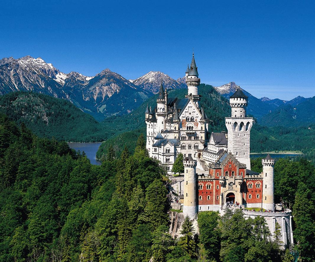 Neuschwanstein Castle Germany 1066x885