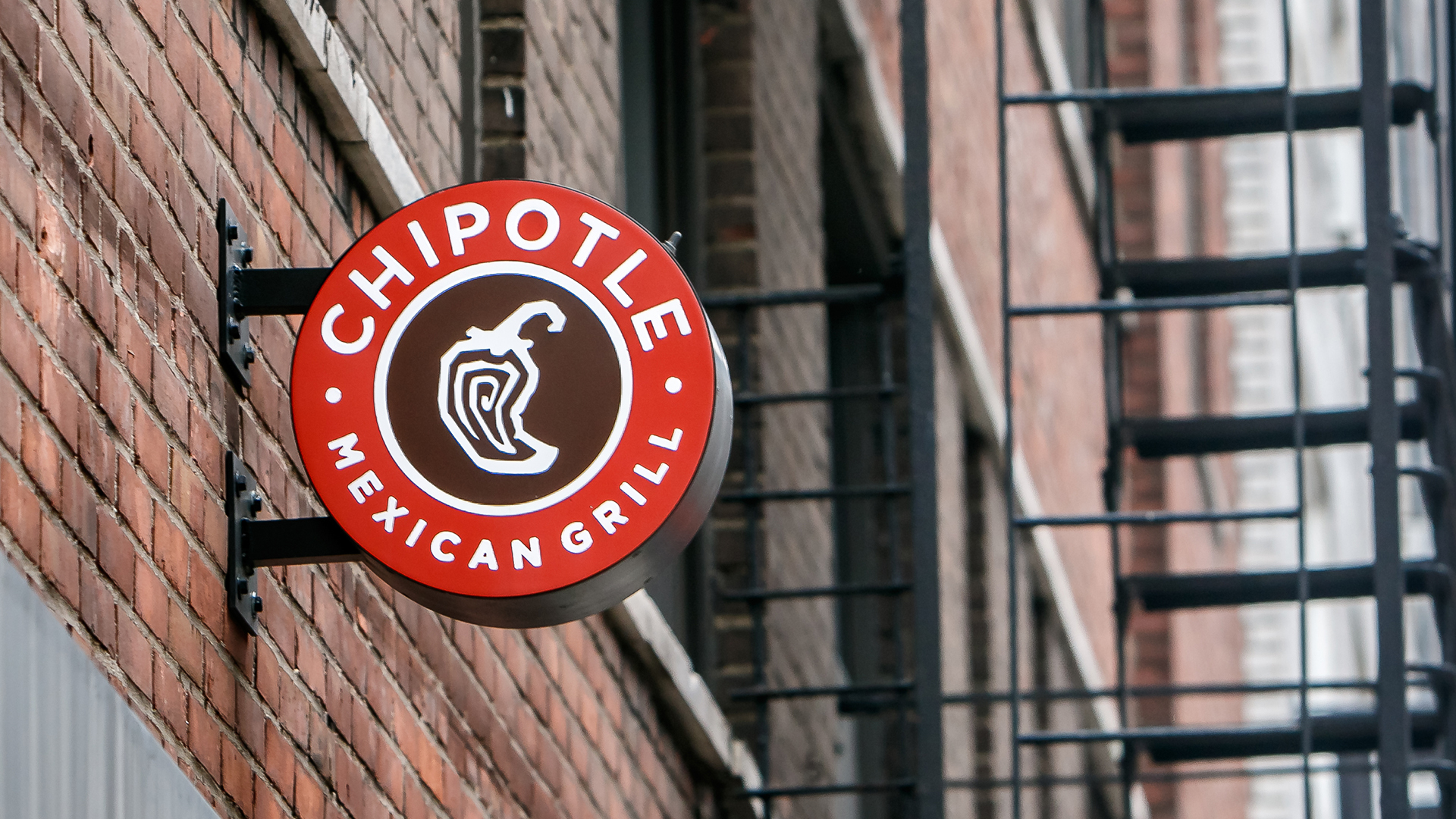 Chipotle Price Target Gets Boosted to 900 at SunTrust   TheStreet 1920x1080