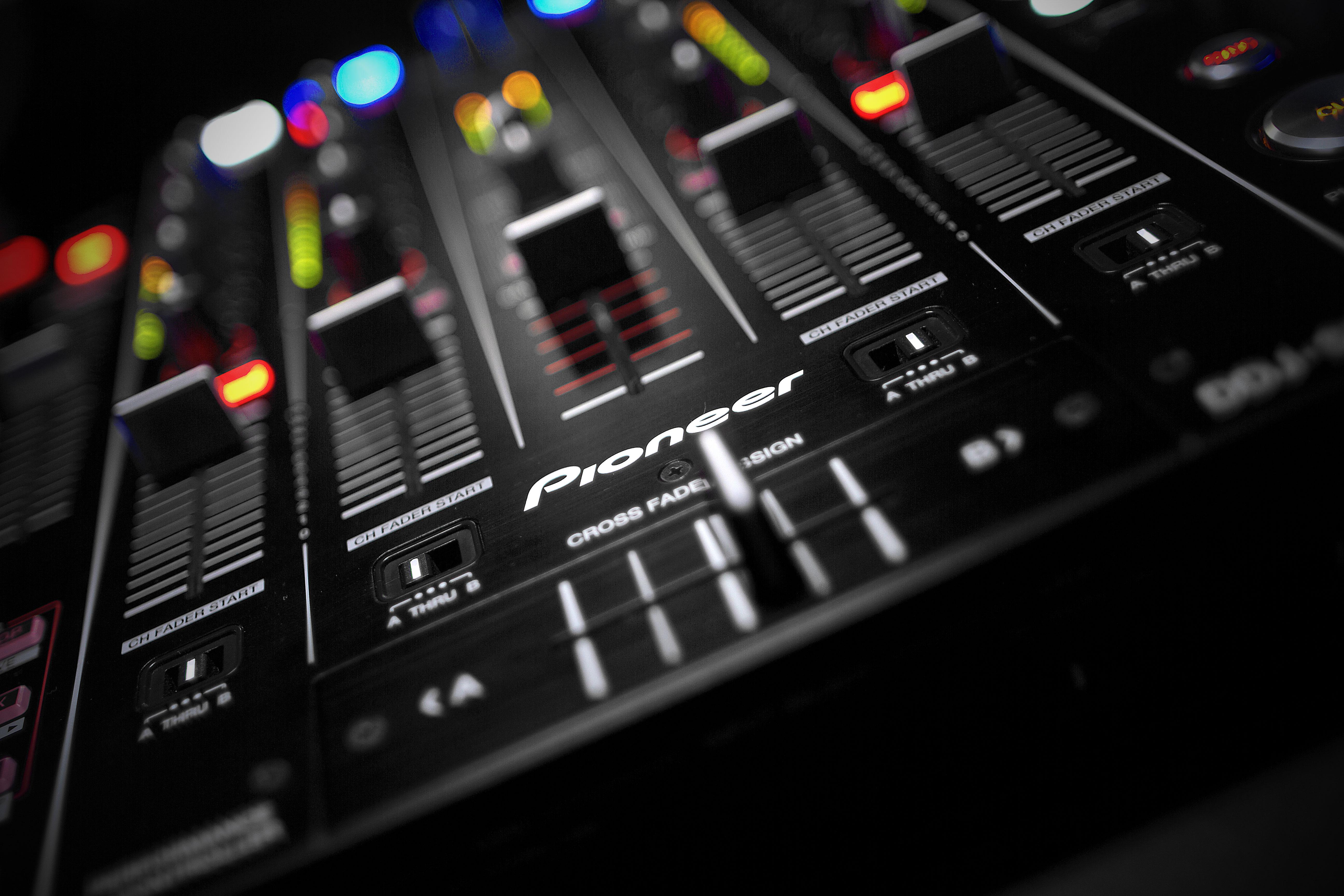 Serato DJ Wallpapers - WallpaperSafari  Serato DJ Wallp...