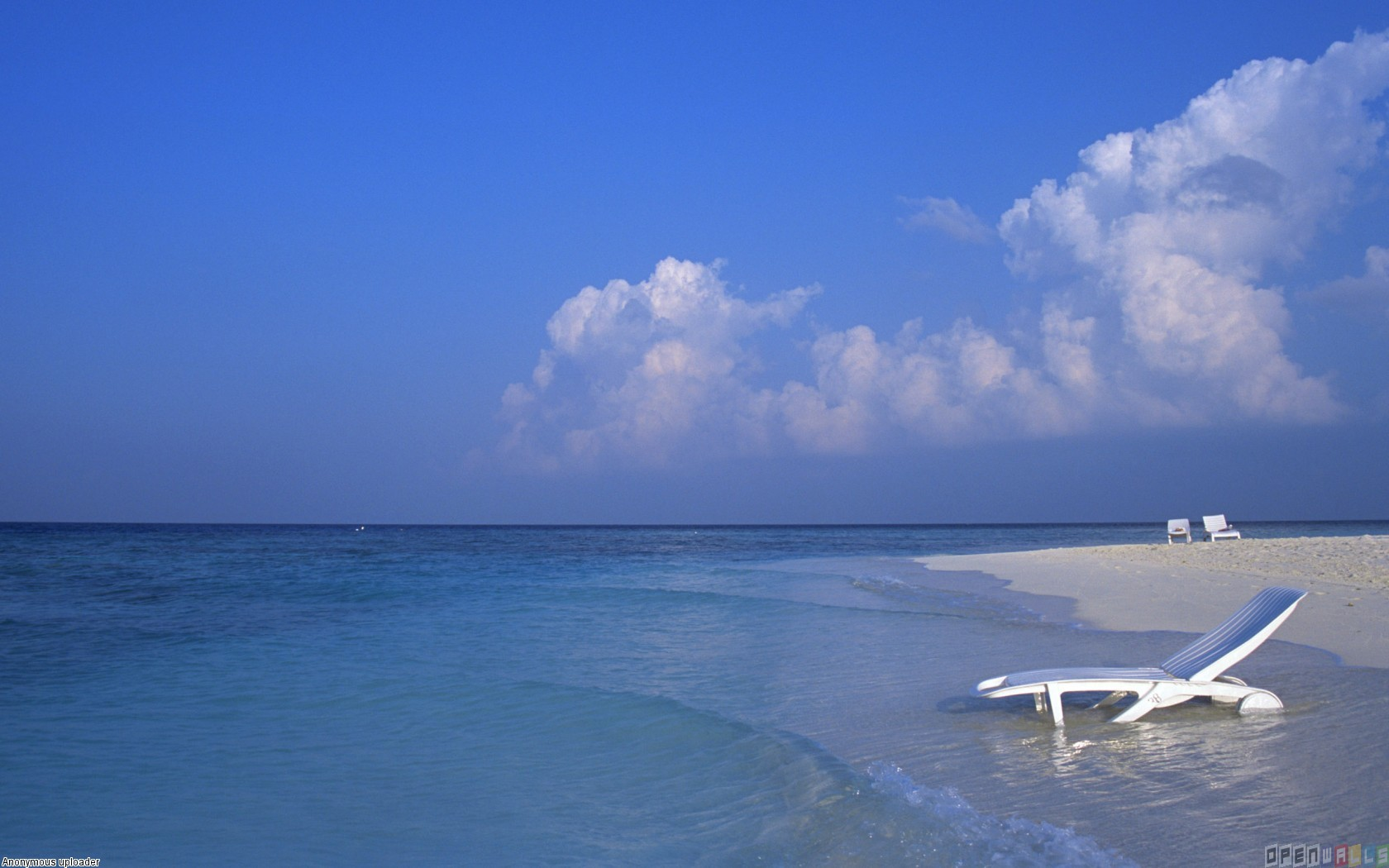 Maldive quiet beach wallpaper 8471   Open Walls 1680x1050