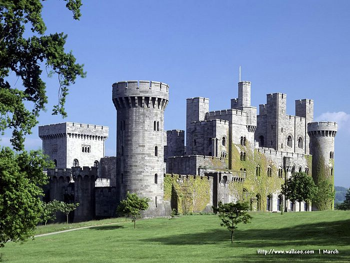 Castles in The World   Europe Tourist Attractions   European Castles 700x525