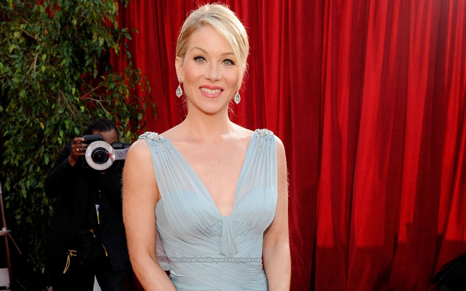 Wallpapers Hollywood Actress HD Wallpapers Christina Applegate HD 1600x1000