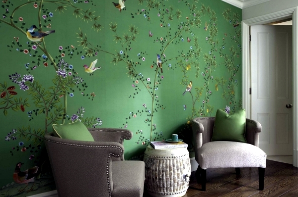 Hand painted Chinese silk wallpaper with Chinoiserie floral pattern 600x398