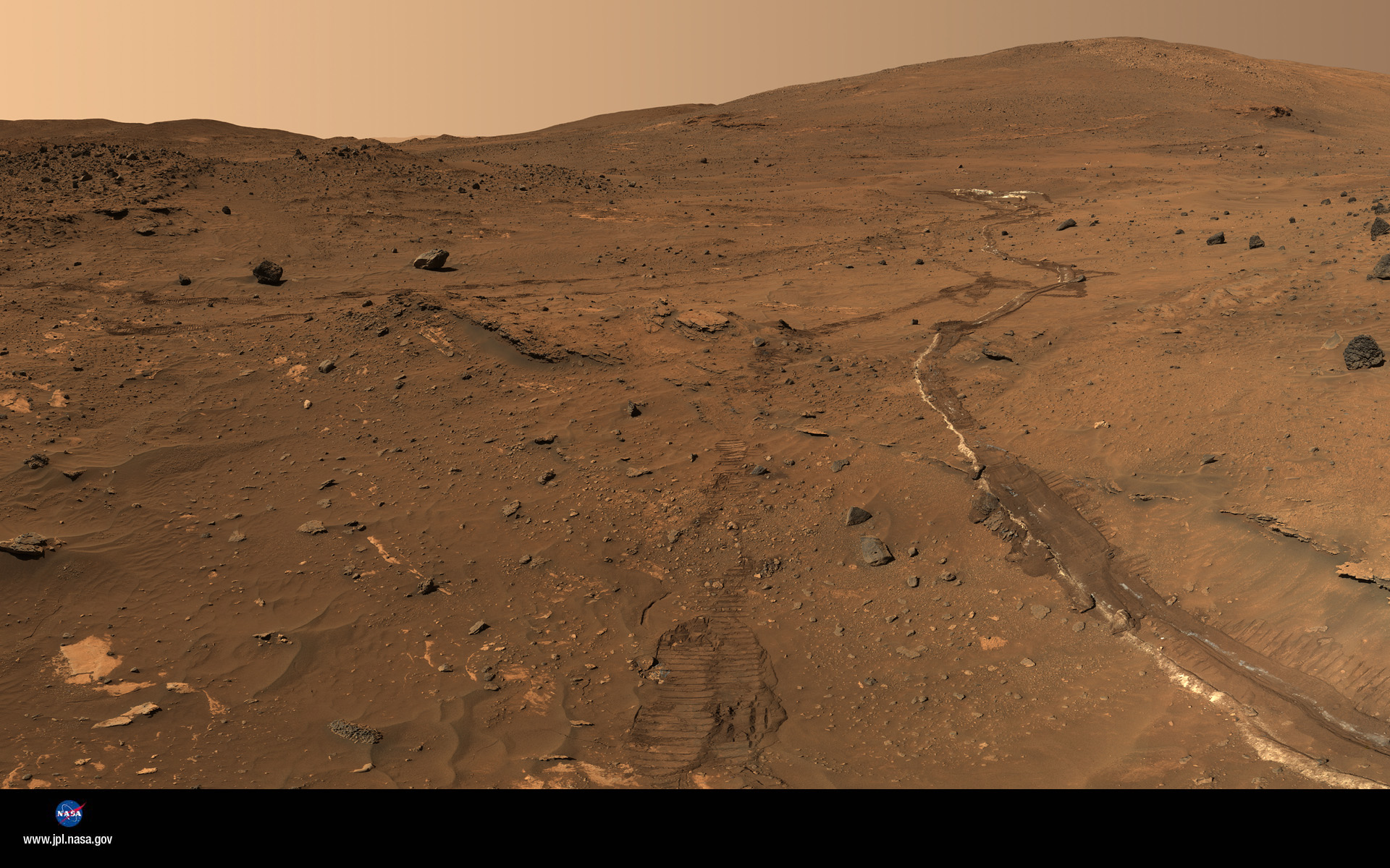 curiosity rover on mars background - photo #35