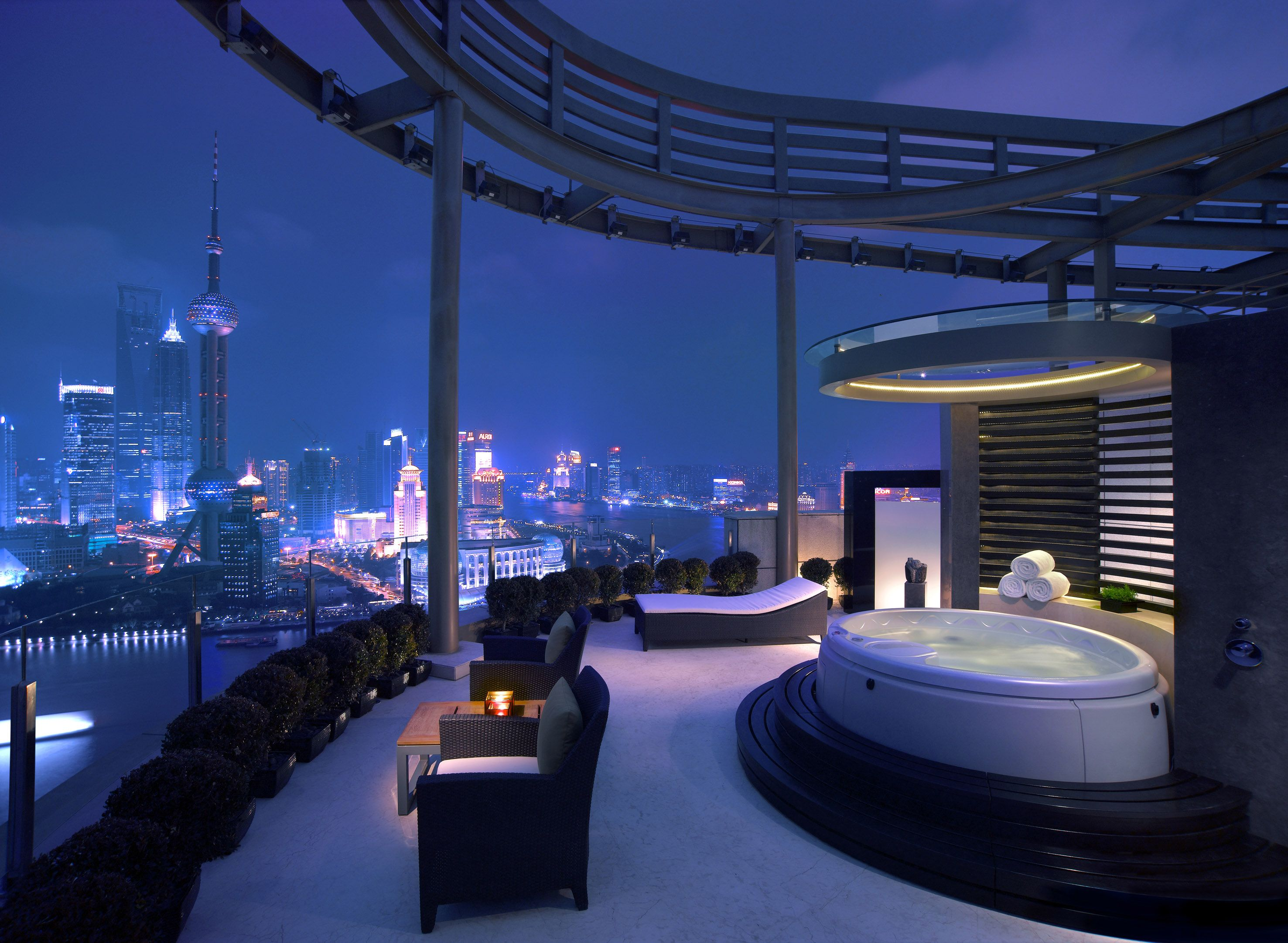 Hot Tub On The Top Of A Skyscraper Wallpaper 2953x2163 ID 2953x2163