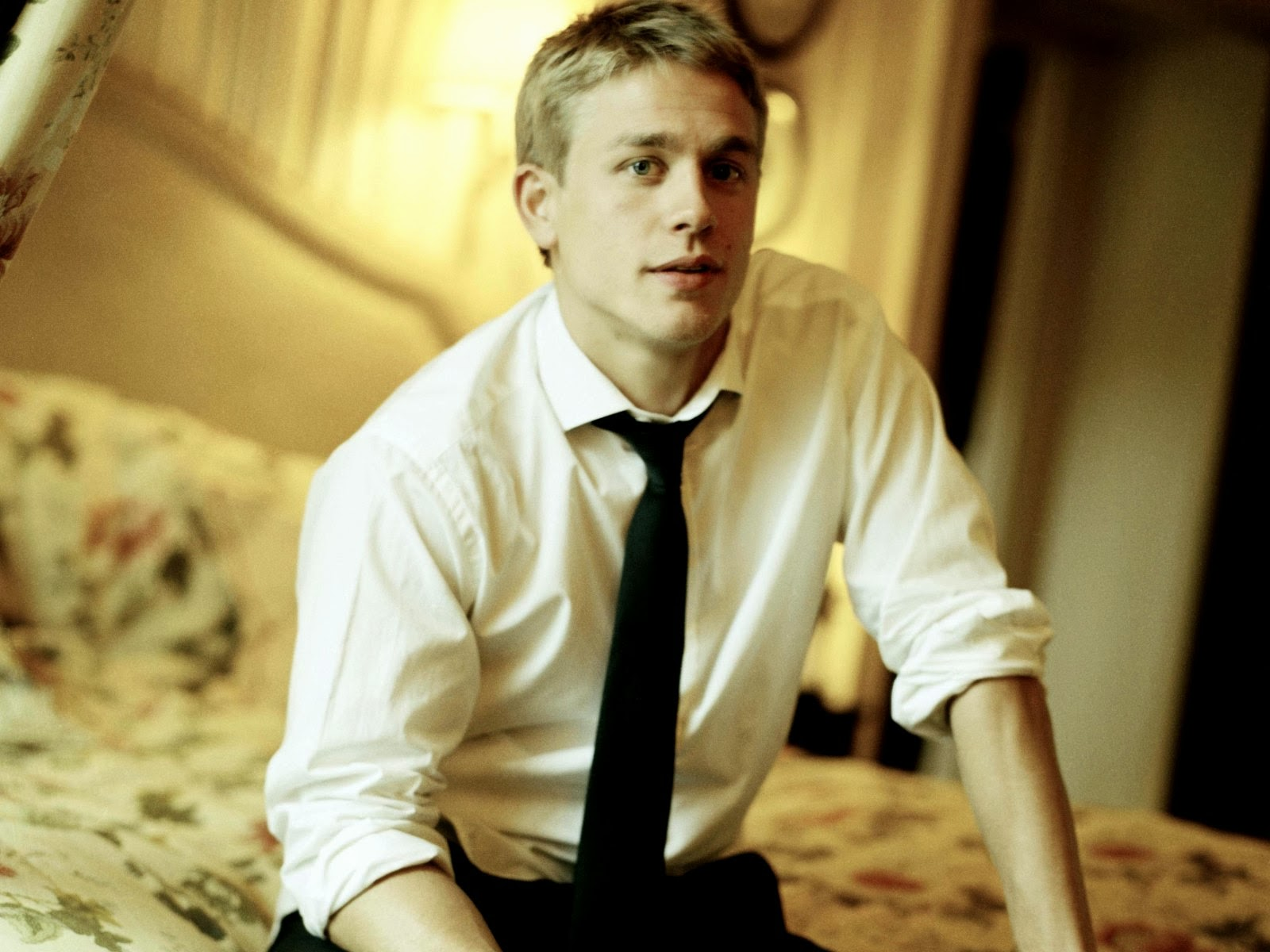 Free Download Charlie Hunnam Wallpaper 1600x1200 For Your