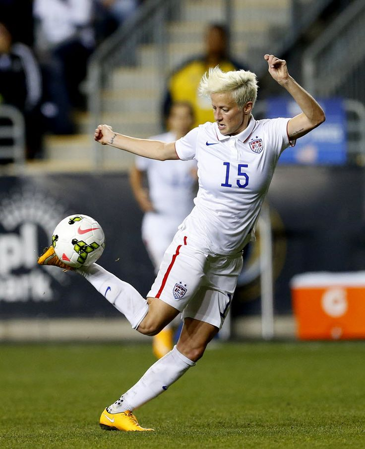 BREAKING NEWS Megan Rapinoe tears ACL could miss 2016 Olympics 736x906
