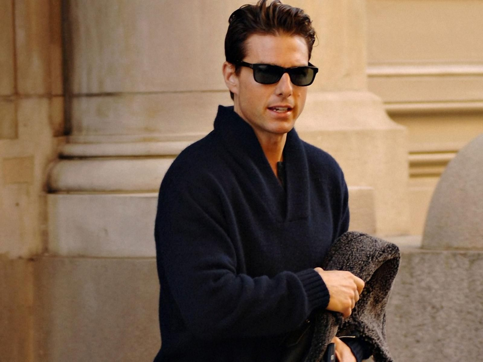 Tom Cruise HD Wallpapers Images Pictures Photos Download 1024768 1600x1200